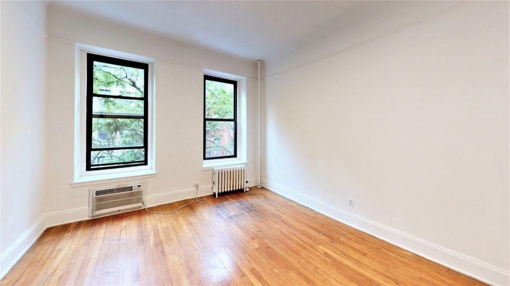 313 East 93rd Street - Photo 2