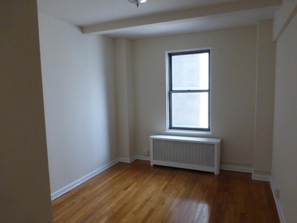 East 38th Street - Photo 2