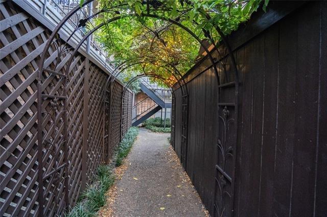 4112 Bowser Avenue - Photo 17