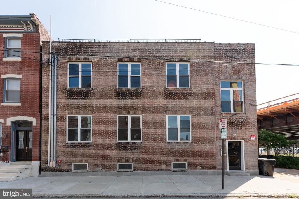 1025 E Montgomery Avenue - Photo 0