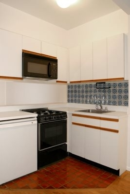 East 85th Street and 1st Ave - Photo 2