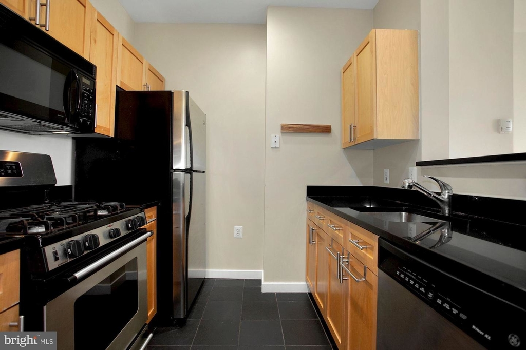 3883 Connecticut Ave Nw #903 - Photo 9
