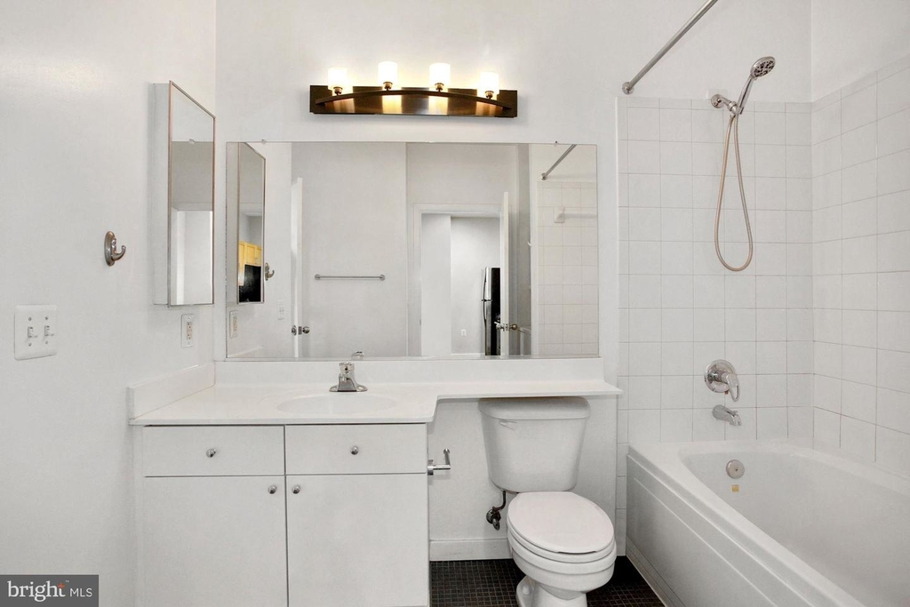 3883 Connecticut Ave Nw #903 - Photo 16