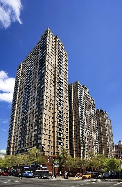 225 East 95th Street - Photo 6