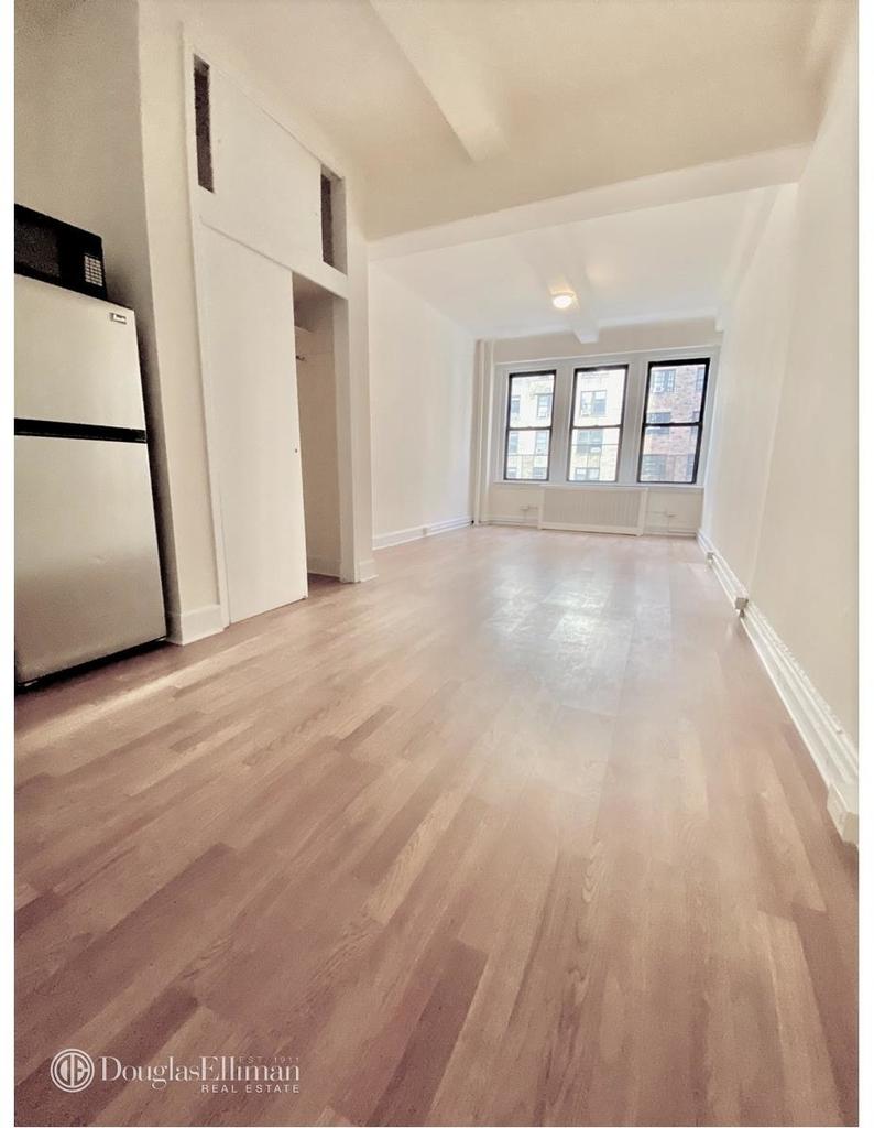 42 West 72nd Street - Photo 3
