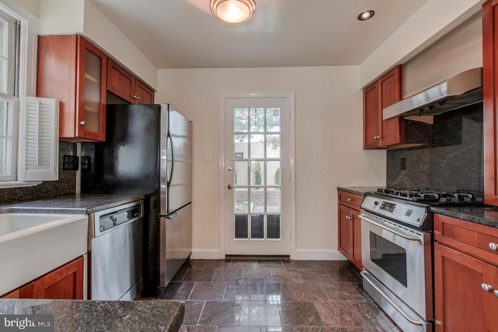 1401 35th St Nw - Photo 11