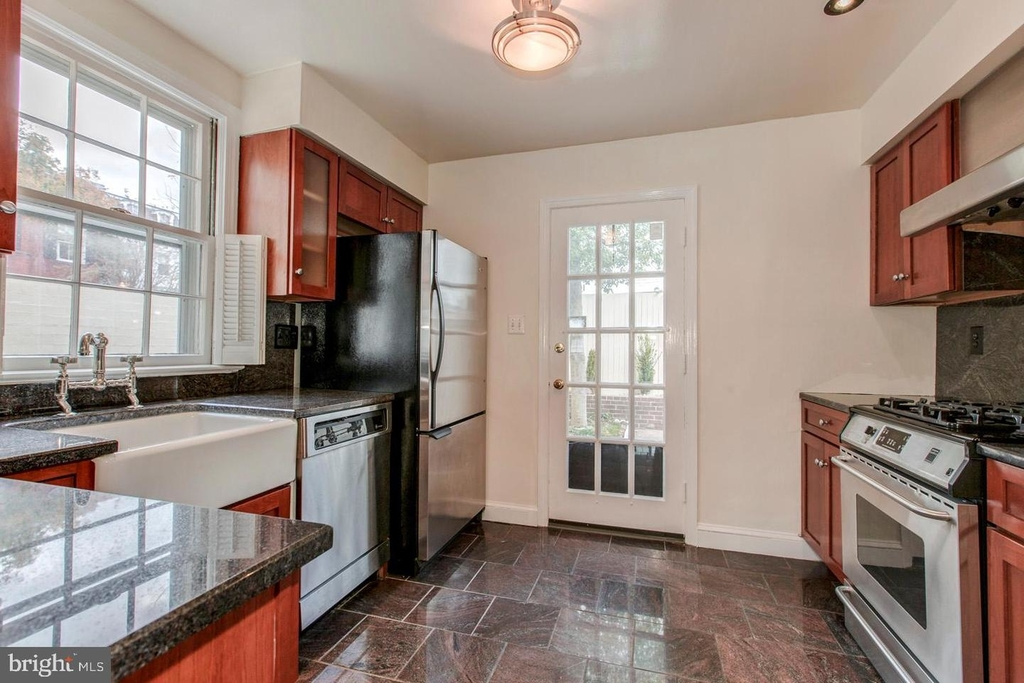 1401 35th St Nw - Photo 8