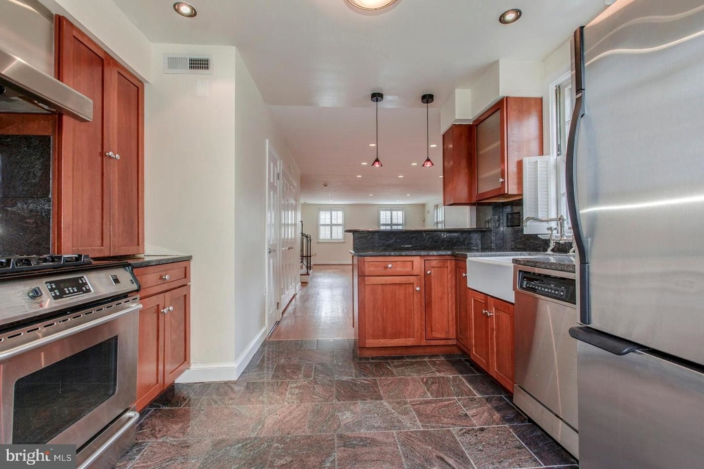 1401 35th St Nw - Photo 7