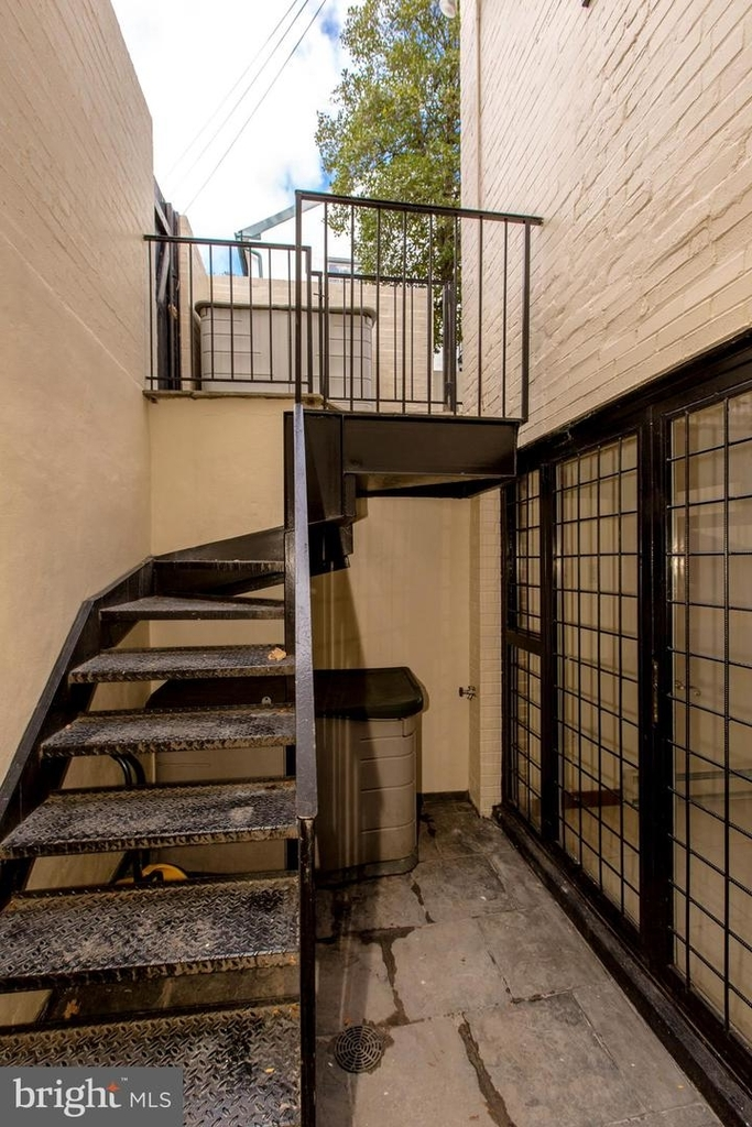 1401 35th St Nw - Photo 54