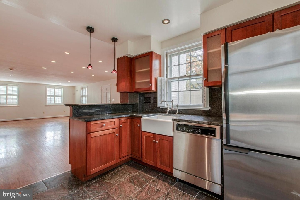1401 35th St Nw - Photo 12