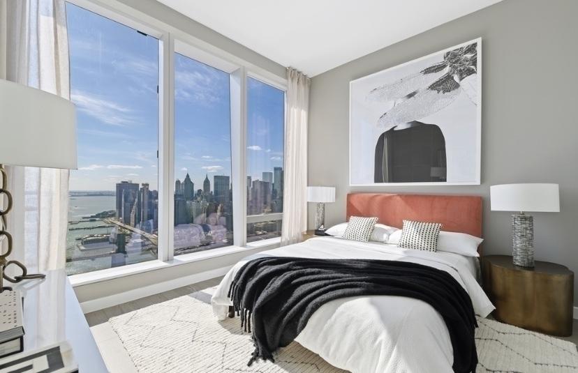 1 Manhattan Square  - Photo 1