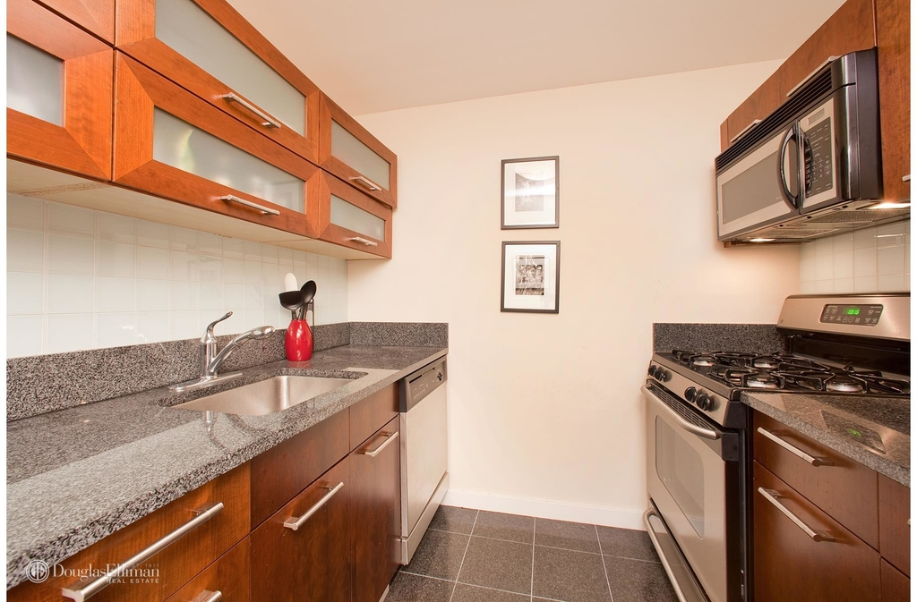121 East 23rd St - Photo 1