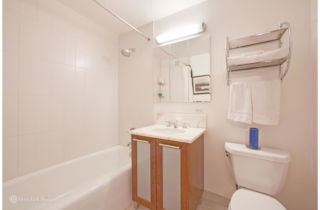 121 East 23rd St - Photo 2