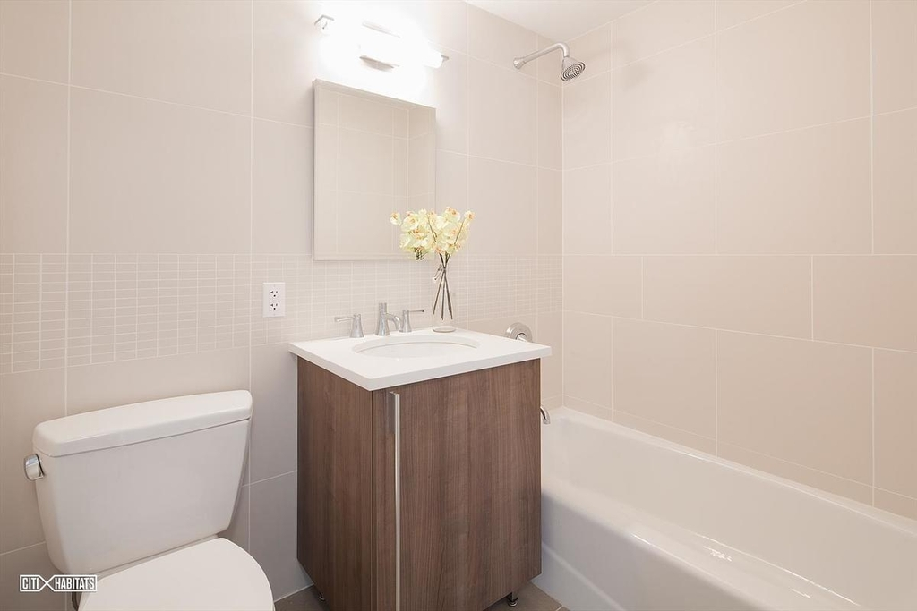 307 Atlantic Avenue - Photo 3