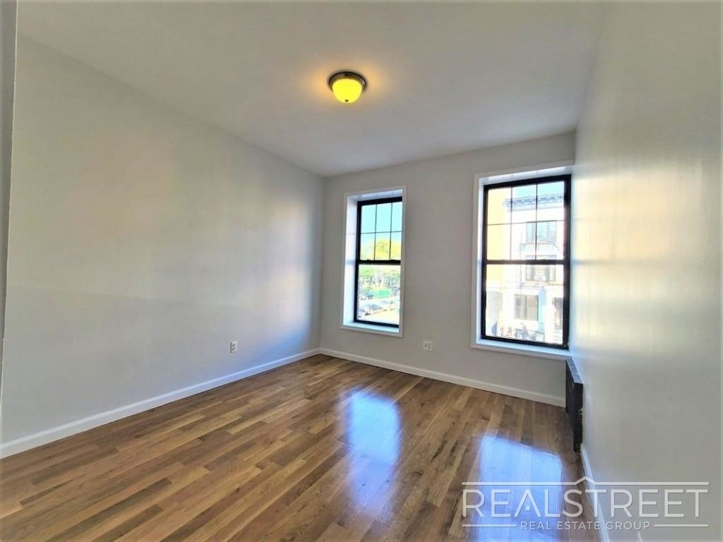 432 Rogers Ave - Photo 4