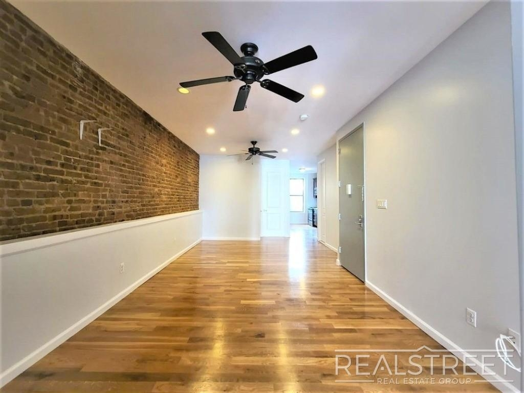 432 Rogers Ave - Photo 1