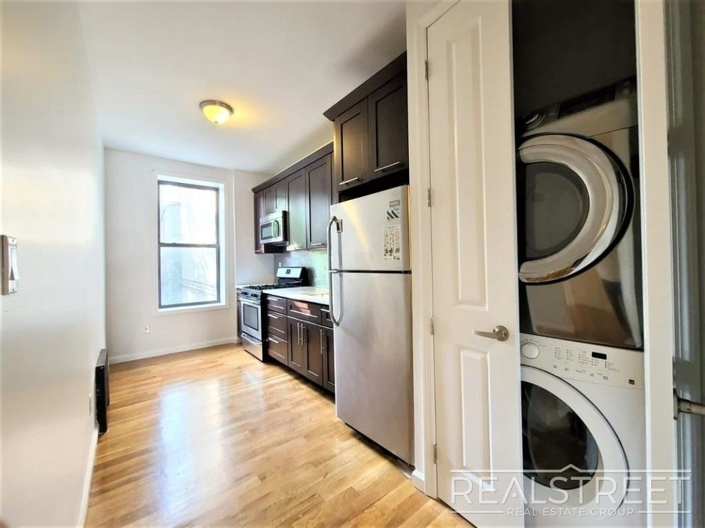 432 Rogers Ave - Photo 0