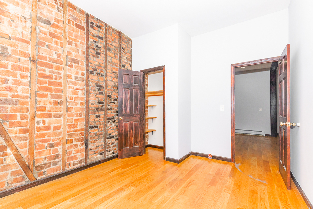901 Willoughby Avenue - Photo 8