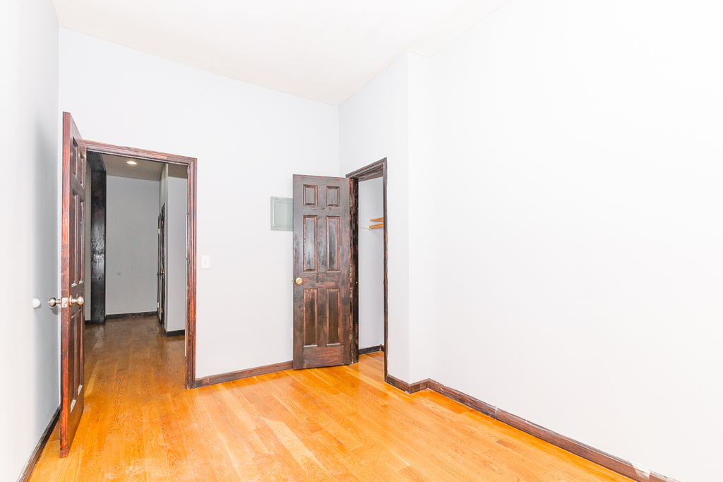 901 Willoughby Avenue - Photo 6