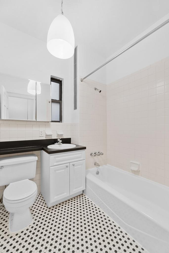 121 Madison Avenue - Photo 4