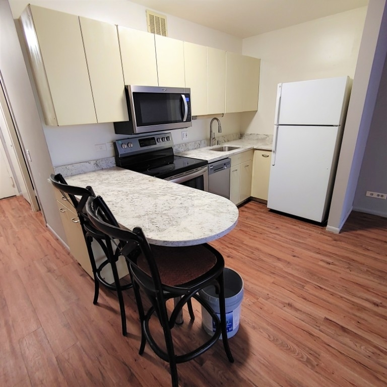 2400 North Lakeview Avenue - Photo 9