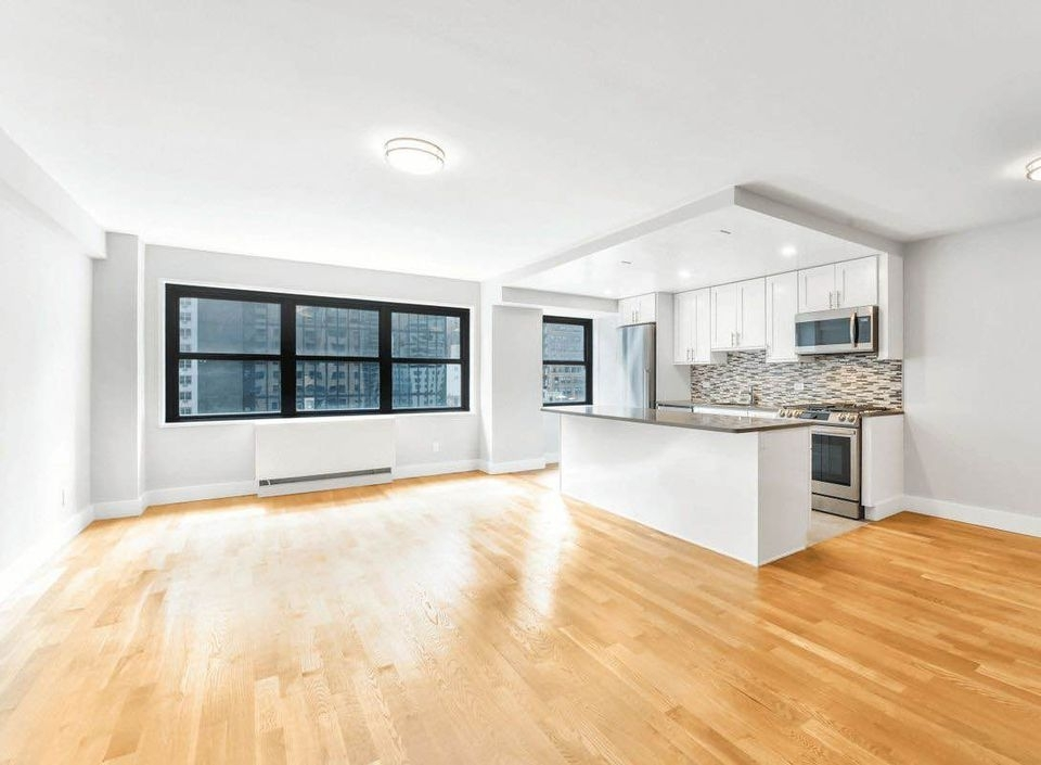 East 47th Street - Photo 1