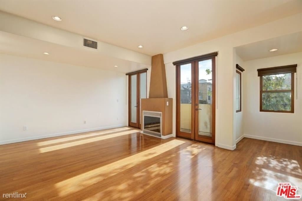 210 Pacific Ave - Photo 6