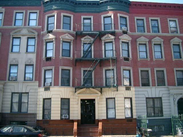 Bedford Avenue - Photo 4