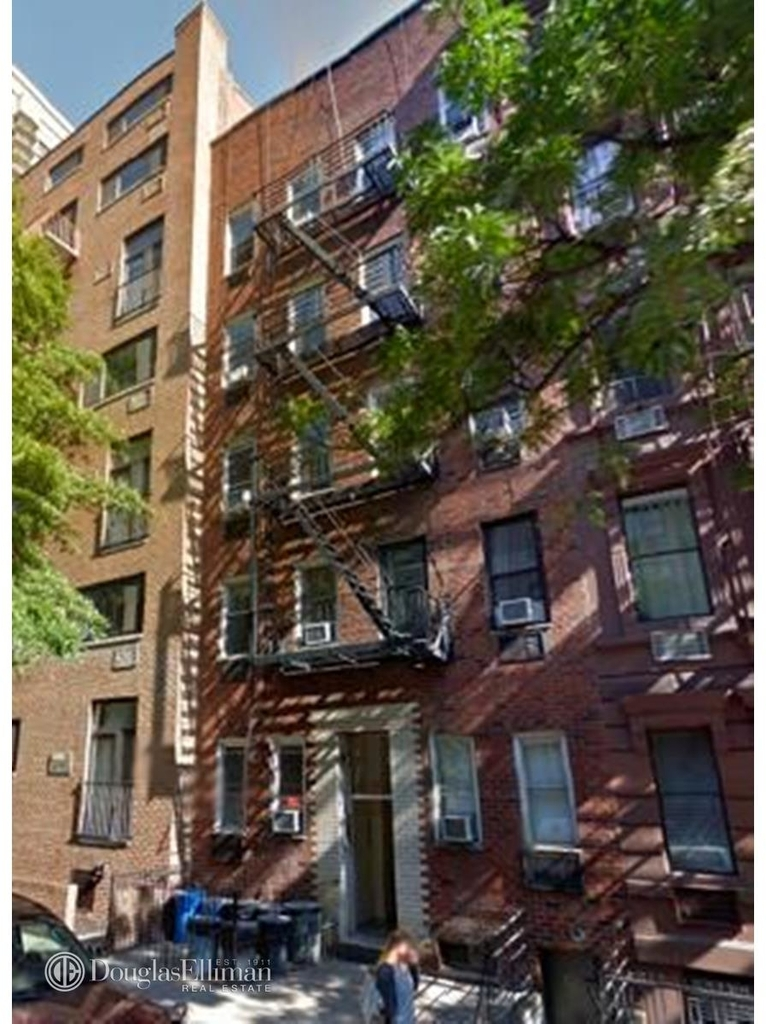 427 East 80th Street - Photo 0