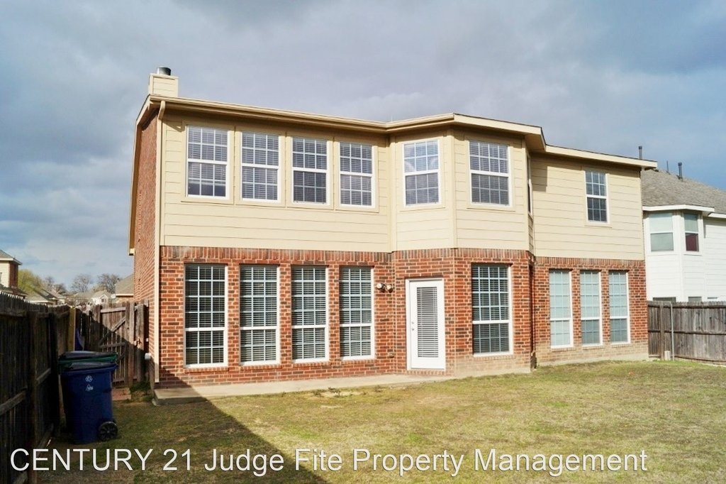 8221 Laughing Waters Trail - Photo 9