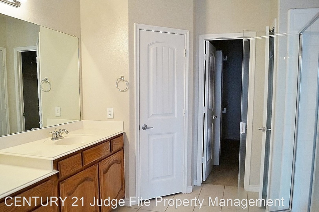 8221 Laughing Waters Trail - Photo 8
