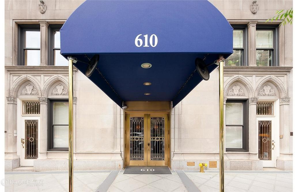 610 Park Avenue - Photo 4
