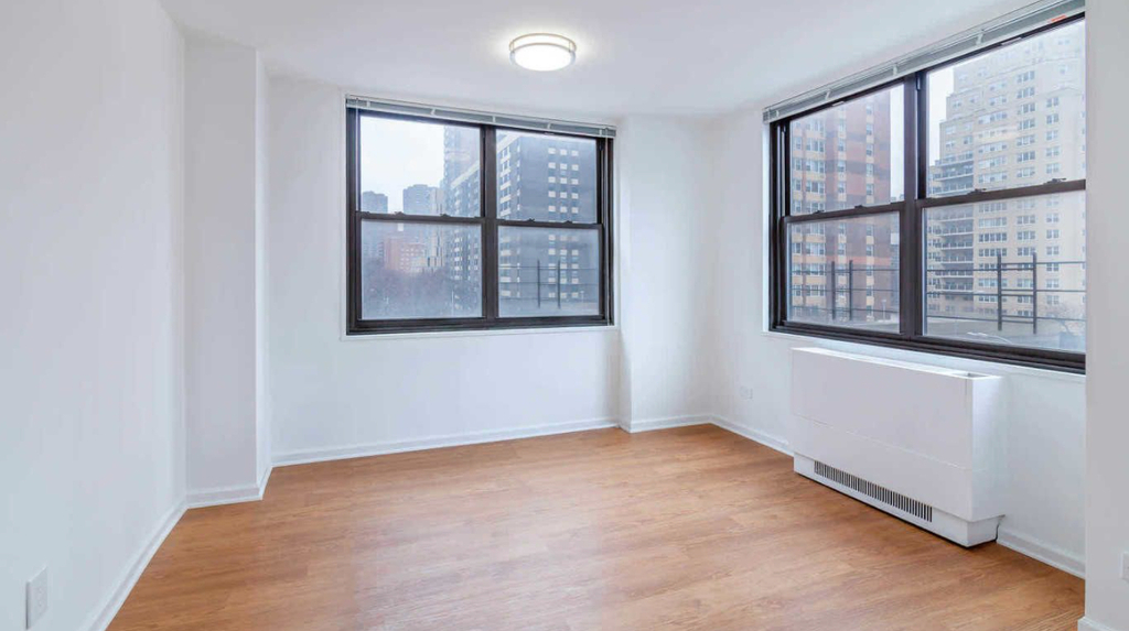 240 East 27th Street - Photo 2