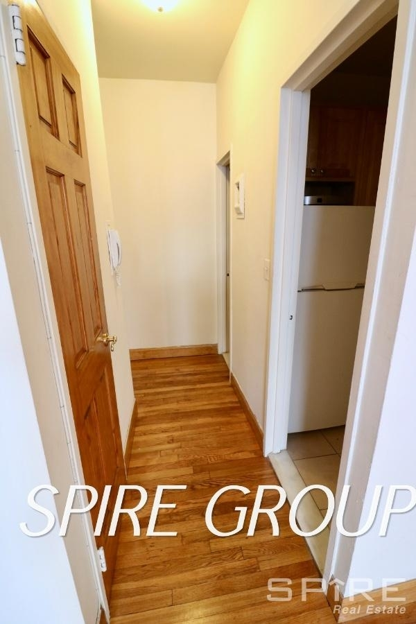 107 West 69th Street - Photo 8