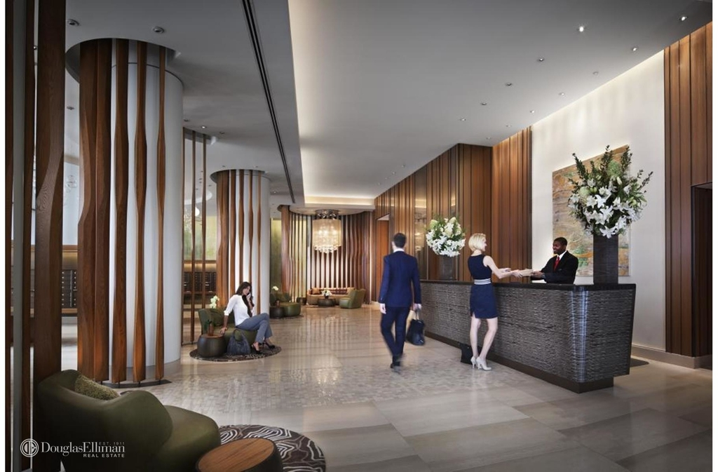 450 West 42nd St - Photo 7