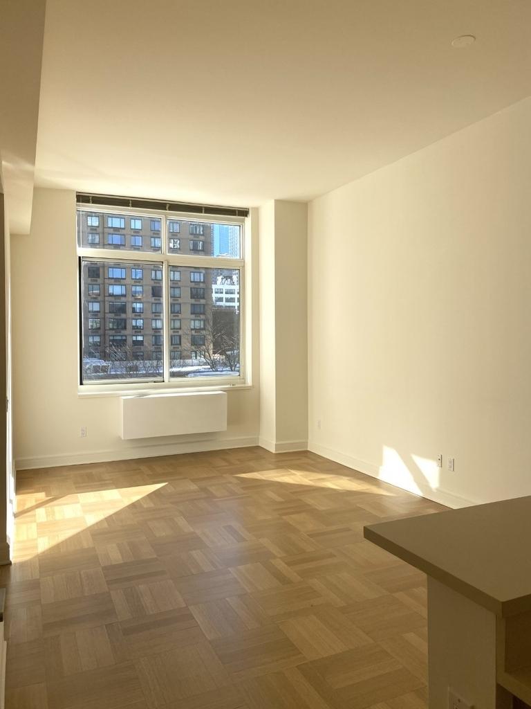 400 West 63rd Street - Photo 2