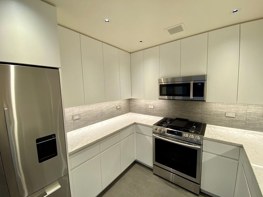 305 East 63rd Street - Photo 4