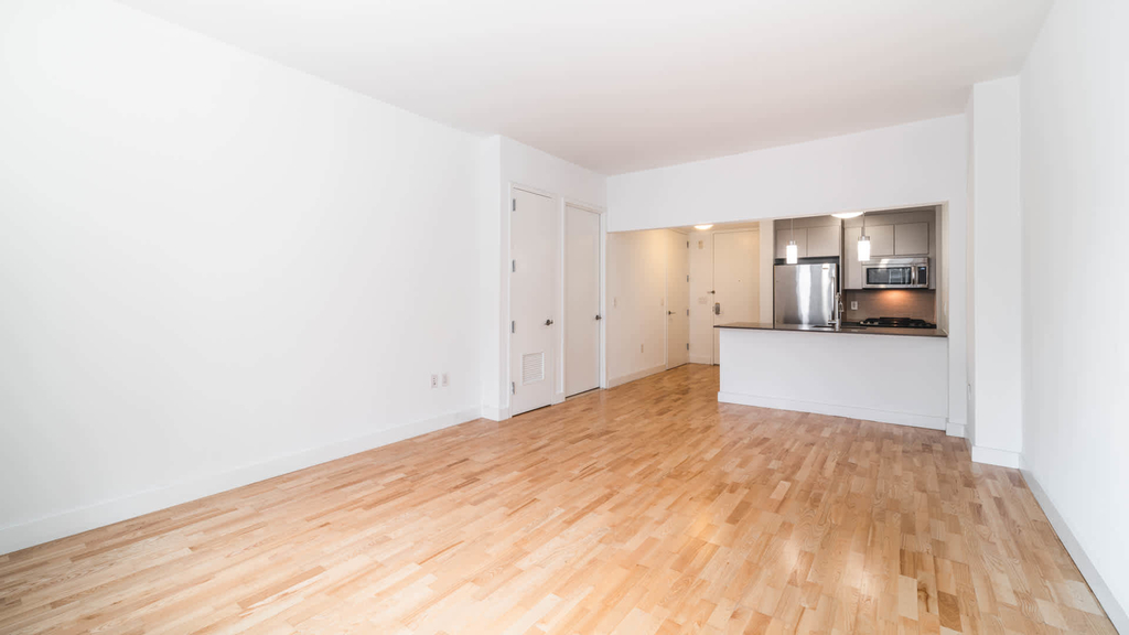 500 West 23rd Street - Photo 9