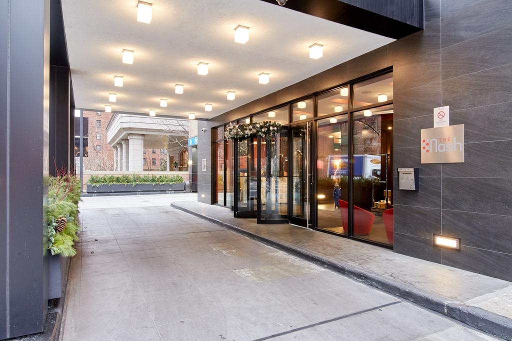 East 39th St - Photo 11