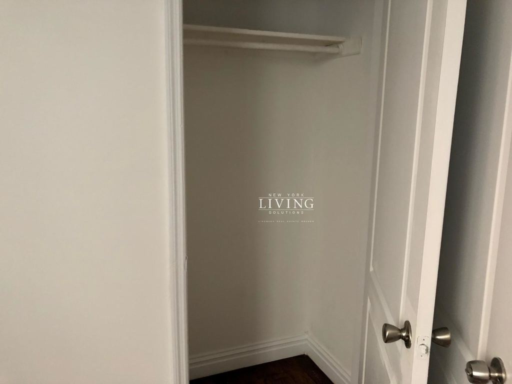 328a Irving Ave - Photo 5
