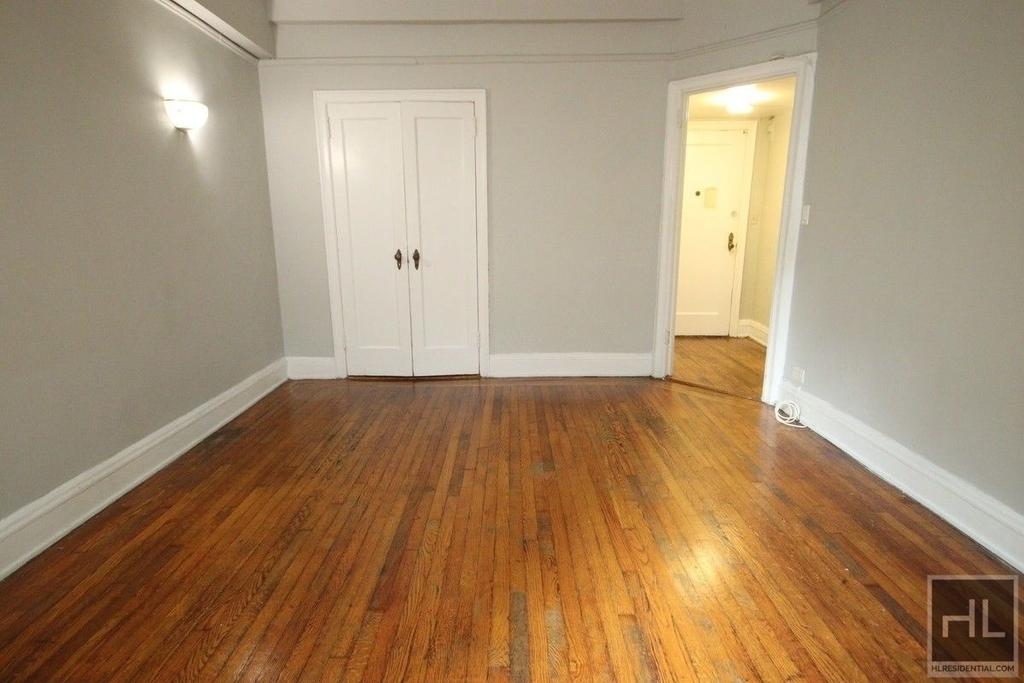 Waverly Place - Photo 0