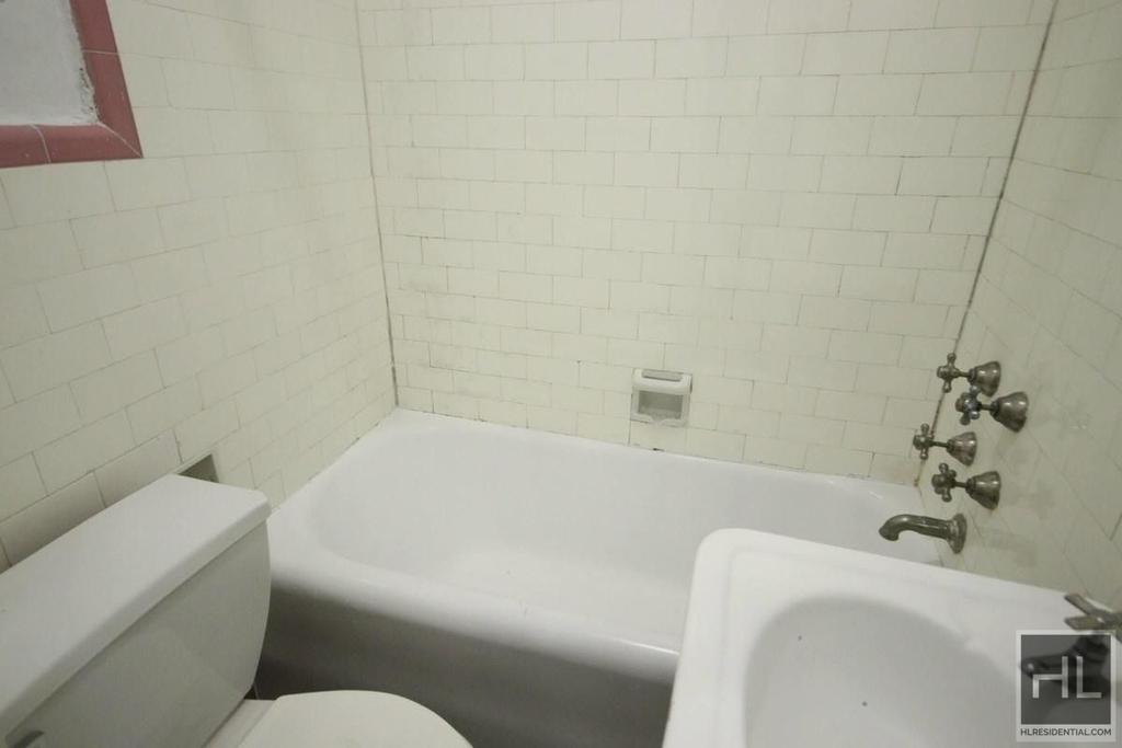 Waverly Place - Photo 4