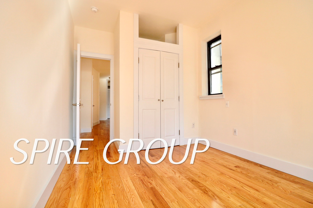 340 West 47th Street - Photo 7