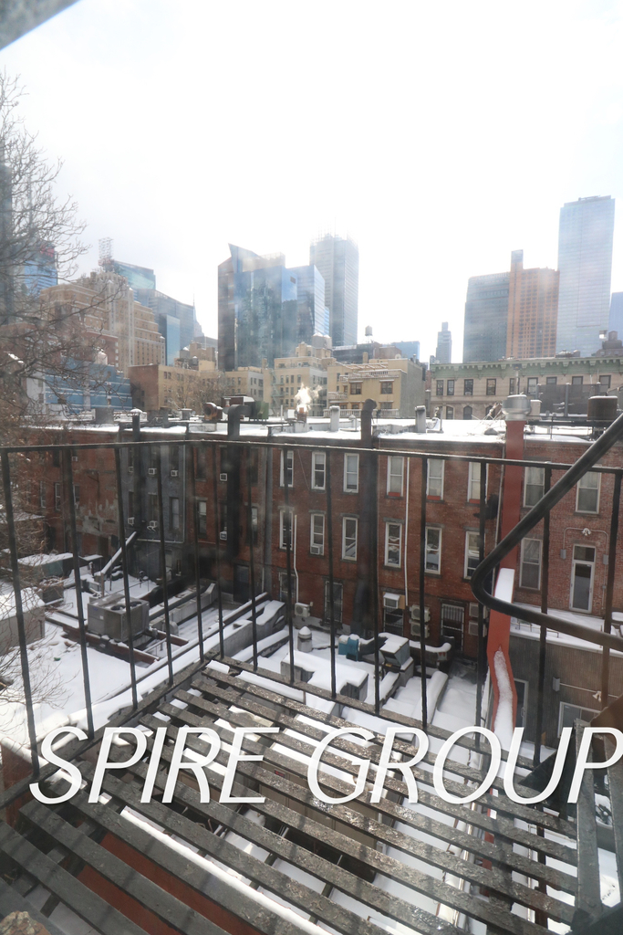 340 West 47th Street - Photo 5