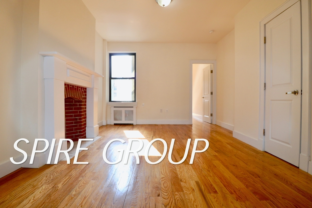 340 West 47th Street - Photo 4
