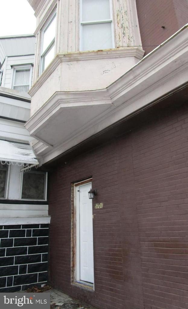 5701 Hadfield Street - Photo 5