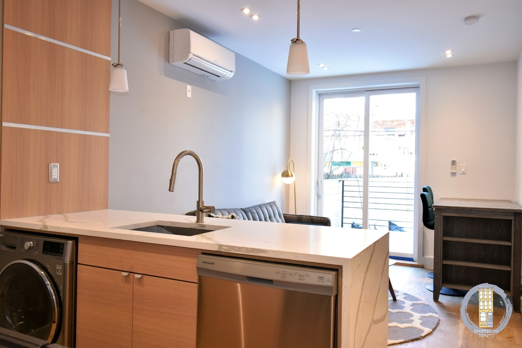 37 Irving Place - Photo 1