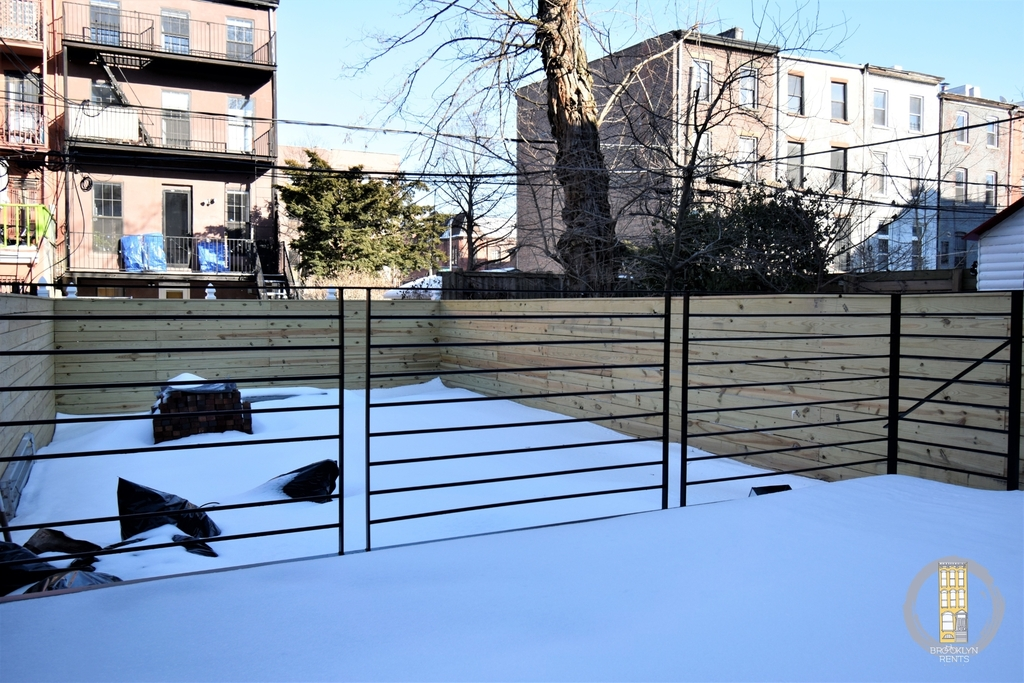 37 Irving Place - Photo 2