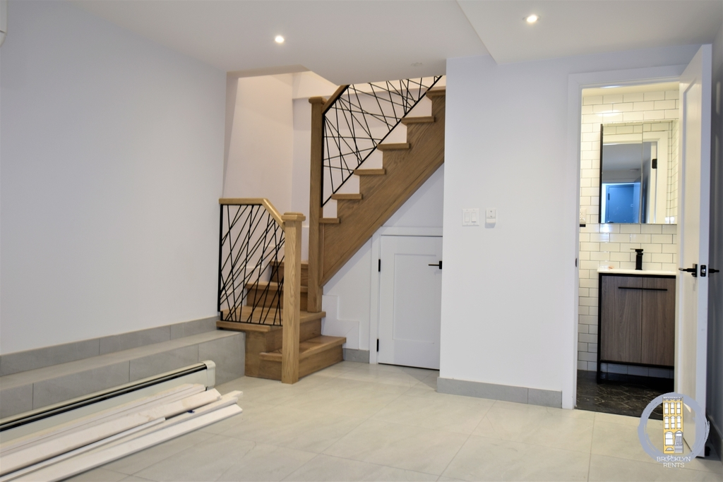 37 Irving Place - Photo 8