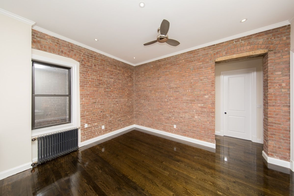 1378 Lexington Avenue - Photo 4